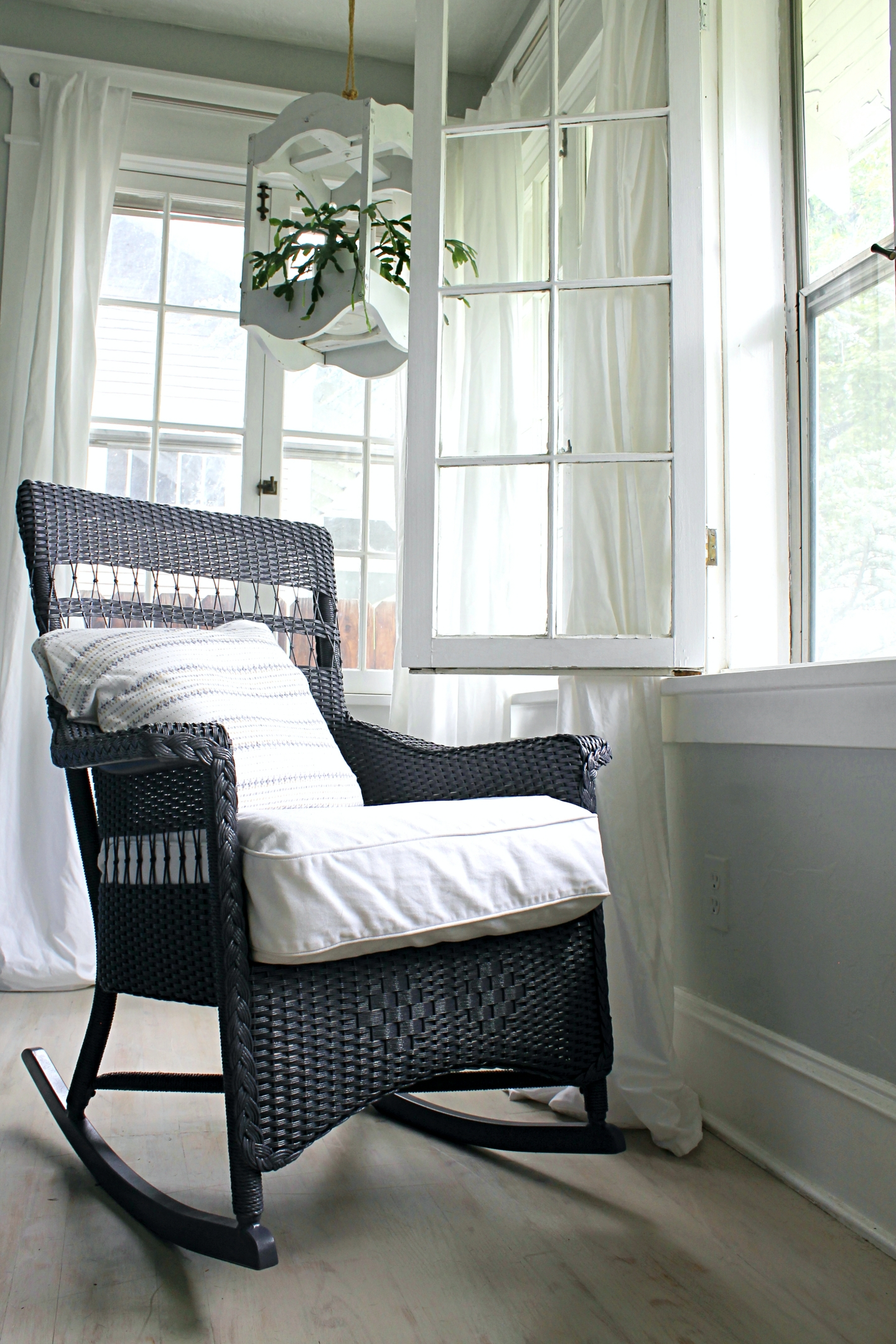 How To Paint Wicker And A Wicker Chair Makeover The Wicker House