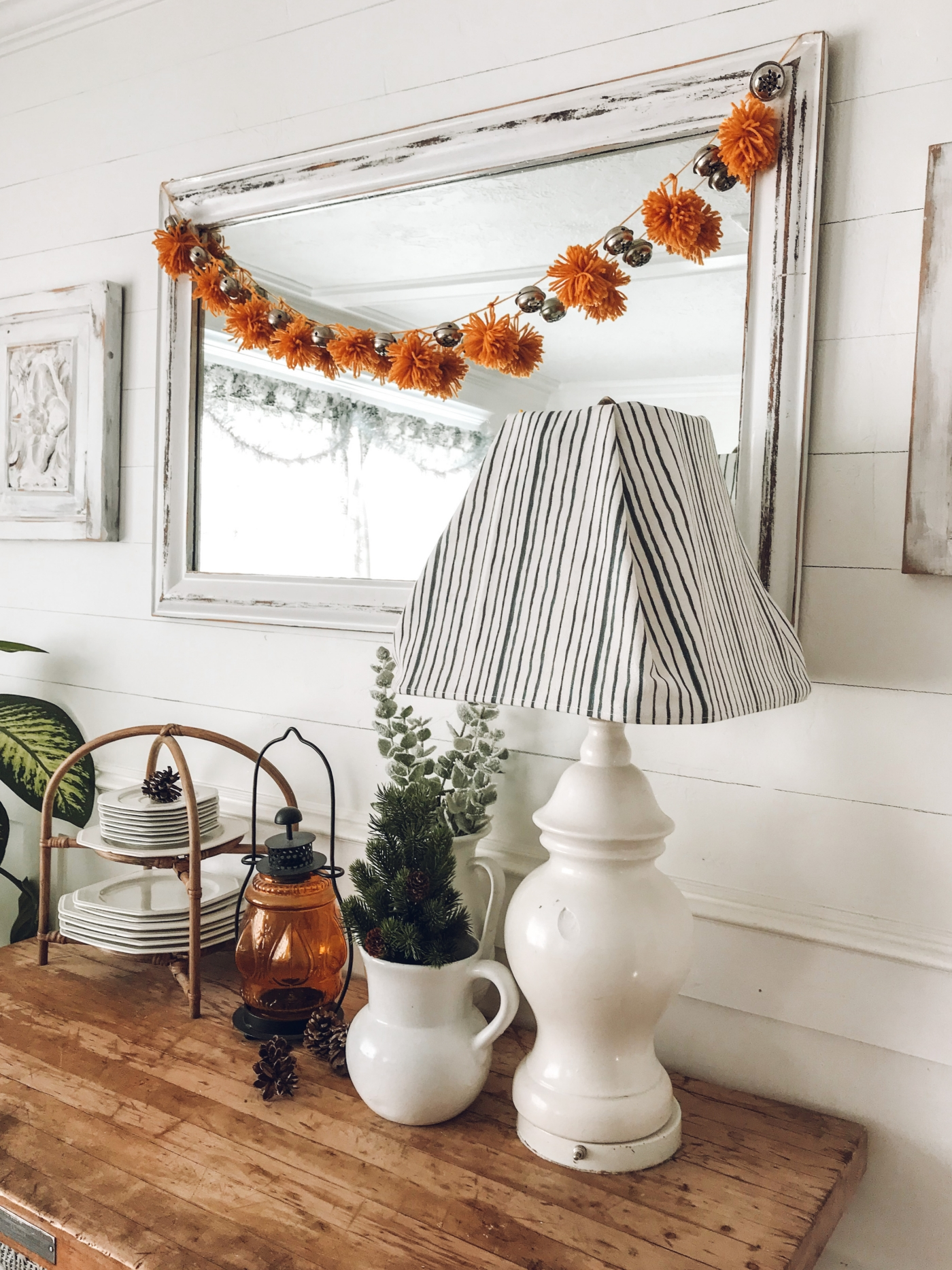 Diy Pom Pom And Jingle Bell Christmas Garland The Wicker House